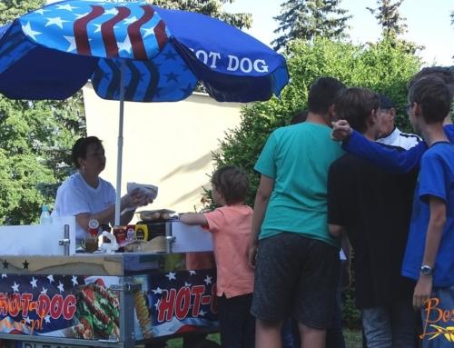 Dziesiąty dzień kolonii – budka z hot-dogami bezglutenowymi