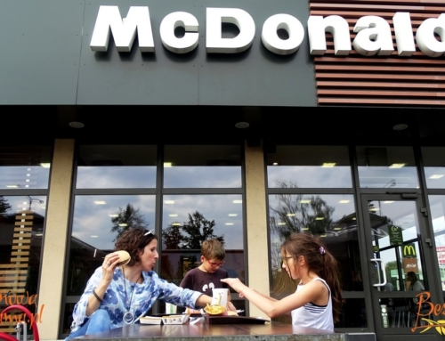 Jadłam bezglutenowego hamburgera w McDonald's + film