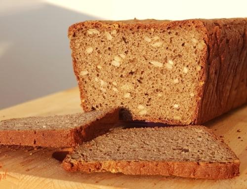 Razowy chleb bezglutenowy z ziemniakami