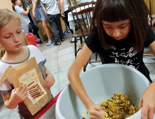 Dzieci upiekły bezglutenowe ciastka zamiast batonów