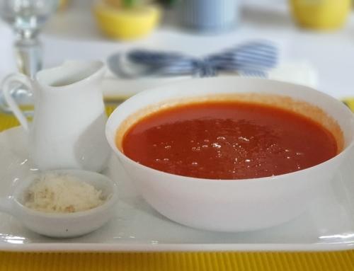 Bezglutenowa zupa pomidorowa z pieczoną papryką – rarytas