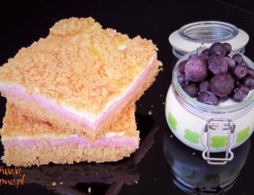 Przepis na bezglutenowe ciasto jogurtowe z budyniem – pycha